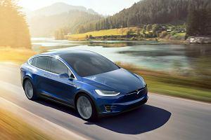 Tesla niespodziewanie zwolniła kilkaset osób, choć przyznaje, że nie nadąża z produkcją