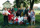 Rok 1996: 'W urzędzie mówię, że rodzinę chcę ściągnąć. Pięć osób? 50!' Pierwsi polscy zesłańcy wracają z Kazachstanu