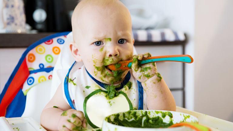 Żywienie niemowląt: którą metodę rozszerzania diety wybrać?