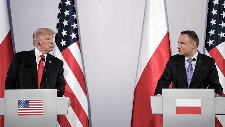 Prezydent USA Donald Trump i prezydent RP Andrzej Duda podczas wspólnej konferencji prasowej na Zamku Królewskim. Warszawa, 6 lipca 2017