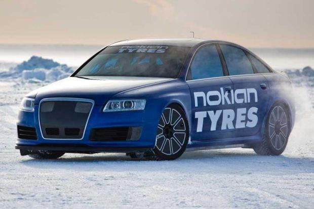 Audi RS6 (B6) posłużył do bicia rekordu prędkości na lodzie (fot. Nokian)