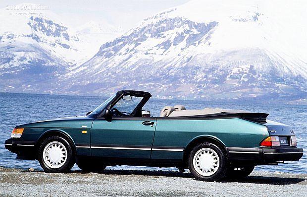 Seryjny kabriolet pojawił się w 1986 roku i z miejsca stał się klasykiem
