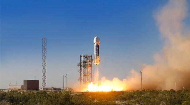 Wizjonerska wojna na rakiety. Panowie Bezos i Musk odlatują coraz wyżej