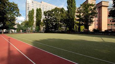 Boisko Liceum im. Frycza Modrzewskiego - może tu powstać wysoki na 23 metry budynek