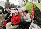 Protest ws. osób niepełnosprawnych przed Sejmem