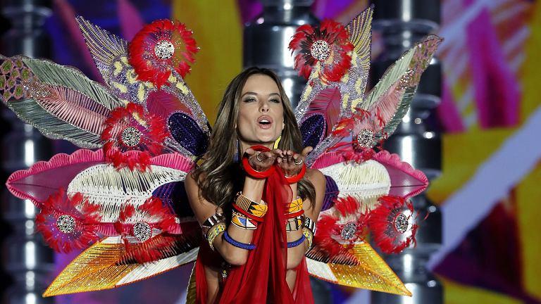 Największe gwiazdy pokazu Victoria's Secret 2017 - Alessandra Ambrosio