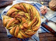 Chleb drożdżowy z pesto - ugotuj