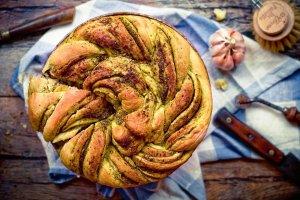 Ciasto drożdżowe na słono - na drugie śniadanie i przekąskę