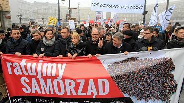 Demonstracja w obronie samorządów. Łódź, luty 2017