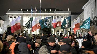 5.02.2018, Warszawa, manifestacja ONR i Młodziezy Wszechpolskiej Odwagi Polsko - Prezydencie podpisz