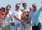 Neil Patrick Harris i Elton John z partnerami i dzie�mi! Odpoczywaj� w Saint-Tropez!