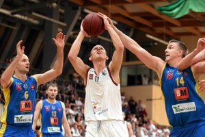 Stal Ostrów Wlkp. walczy o licencję na grę w ekstraklasie koszykarzy
