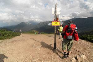 Co spakować do plecaka trekkingowego? Porady dla początkujących wielbicieli górskich wycieczek