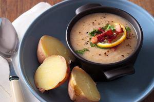 Zupa z cykorii okraszona boczkiem