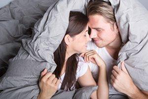 Jak powiedzieć partnerowi, co lubię w łóżku?