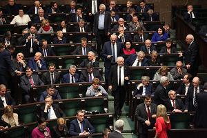 Sejm w końcu przyjął ustawę o kredycie hipotecznym. O rok za późno. Polsce groził już Trybunał Sprawiedliwości
