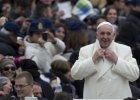 """""""Pogotowie ratunkowe papie�a"""". Franciszek wymyka si� na nocne interwencje w Rzymie?"""