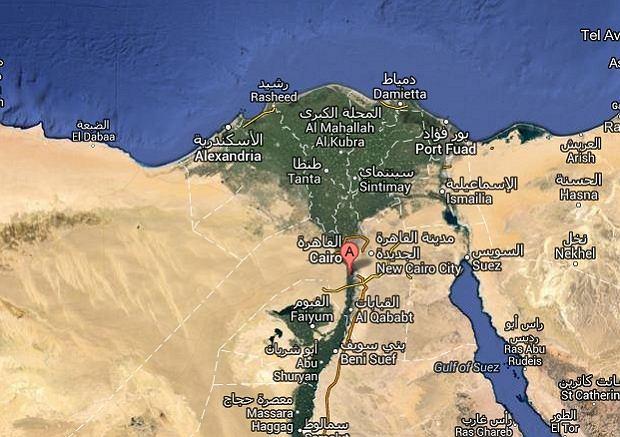 Wypadek pod Kairem. Poci�g uderzy� w 3 pojazdy. Co najmniej 24 ofiary, w tym go�cie weselni