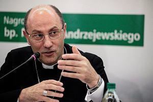 Abp Wojciech Polak: Każdy ksiądz z mojej diecezji, który pójdzie na manifestację antyuchodźczą, będzie suspendowany