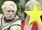 """Znamy j� jako Brienne z """"Gry o tron"""". A na czerwonym dywanie? Seksowna suknia, fryzura w stylu retro. """"Ol�niewaj�ca"""""""