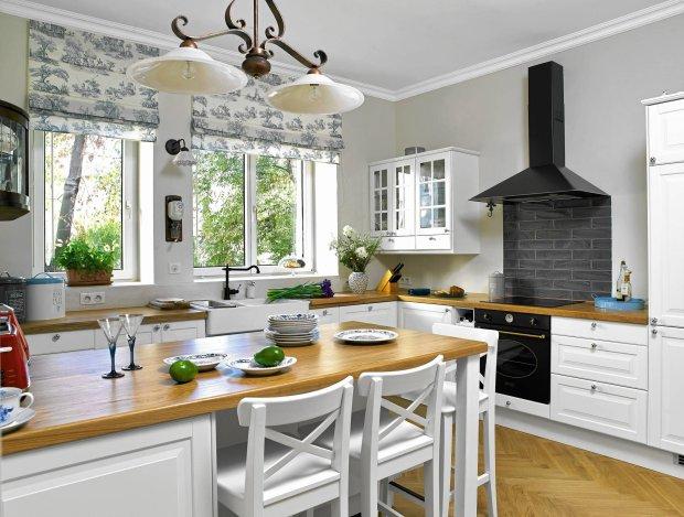 kuchnia, mieszkanie w kamienicy, aranżacja wnętrz, wystrój wnętrz, renowacja wnętrz