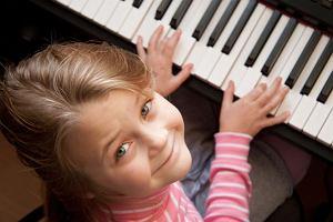 Muzyka poprawi prac� m�zgu