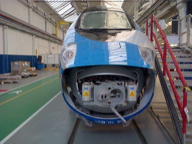 Budowa poci�gu pendolino dla PKP Intercity we w�oskim Savigliano