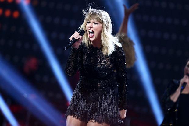 Do niedawna gwiazda mogła pochwalić się  świetną figurą. Ale ostatnio Taylor Swift, znana amerykańska piosenkarka przytyła aż 15 kilogramów. W mediach pojawia się coraz więcej plotek, czy słynna wokalistka  jest w ciąży?!