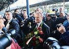 Donald Tusk jedzie pociągiem do prokuratury w Warszawie [ARTYKUŁ AKTUALIZOWANY]