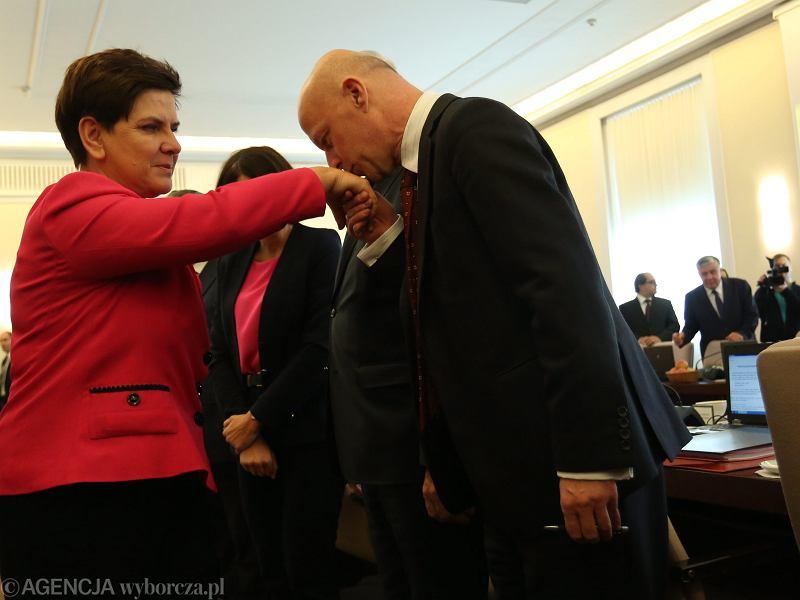 Szydło zmienia rząd PiS-u. Morawiecki ministrem finansów, Szałamacha traci stanowisko