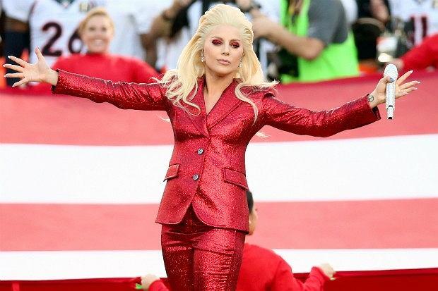 Lady Gaga gwiazdą tegorocznego finału Super Bowl. Informacja, która wcześniej była uważana za plotkę, została oficjalna potwierdzona przez wokalistkę! Cieszycie się?