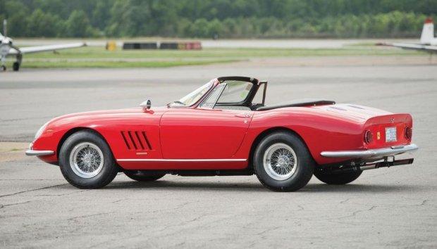 Ferrari 275 GTB/4*S NART Spider Scaglietti (fot. RM Auctions)