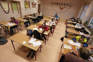 Szóstoklasiści ostatni raz piszą sprawdzian. Reszta uczniów bez lekcji, a czasem bez obiadu