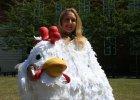 Brytyjka przyjedzie do Warszawy w kostiumie kurczaka. Po co?