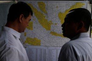 Zbadaj� wszystkie harmonogramy lot�w AirAsia. W dniu katastrofy nie by�o oficjalnej zgody na przelot