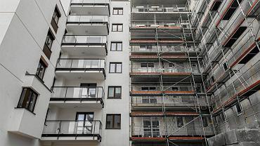 Budowa mieszkań.