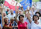 """Protest przed sądem. """"Żyjemy pod skandaliczną dyktaturą ciemniaków"""", """"Ziobro - mniej niż zero"""""""