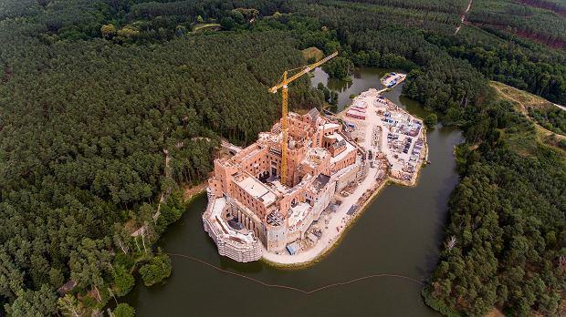 Zamek z Puszczy Noteckiej na zdjęciach z drona