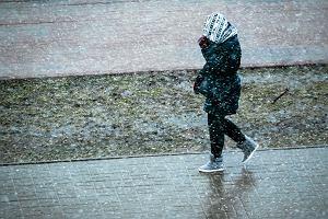 Co się stało z wiosną? Pogoda na najbliższe dni: chwile ze słońcem, deszcz i znowu śnieg