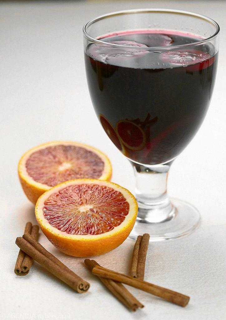 Grzane wino / ARKADIUSZ ĆCICHOCKI