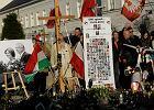10 kwietnia 2012 roku. Druga rocznica katastrofy smoleńskiej pod Pałacem Prezydenckim
