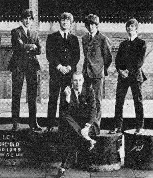 George Martin, producent zespołu The Beatles, nie żyje. Miał 90 lat.