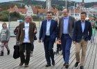 Karnowski broni Adamowicza: Nie ferujmy wyrok�w