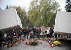 Rocznica katastrofy smole�skiej: premier Kopacz na Pow�zkach