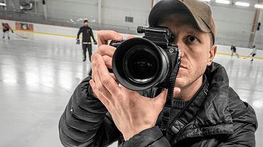 Stepan Rudik , ukraiński fotograf podczas sesji na lodowisku Chwiałka