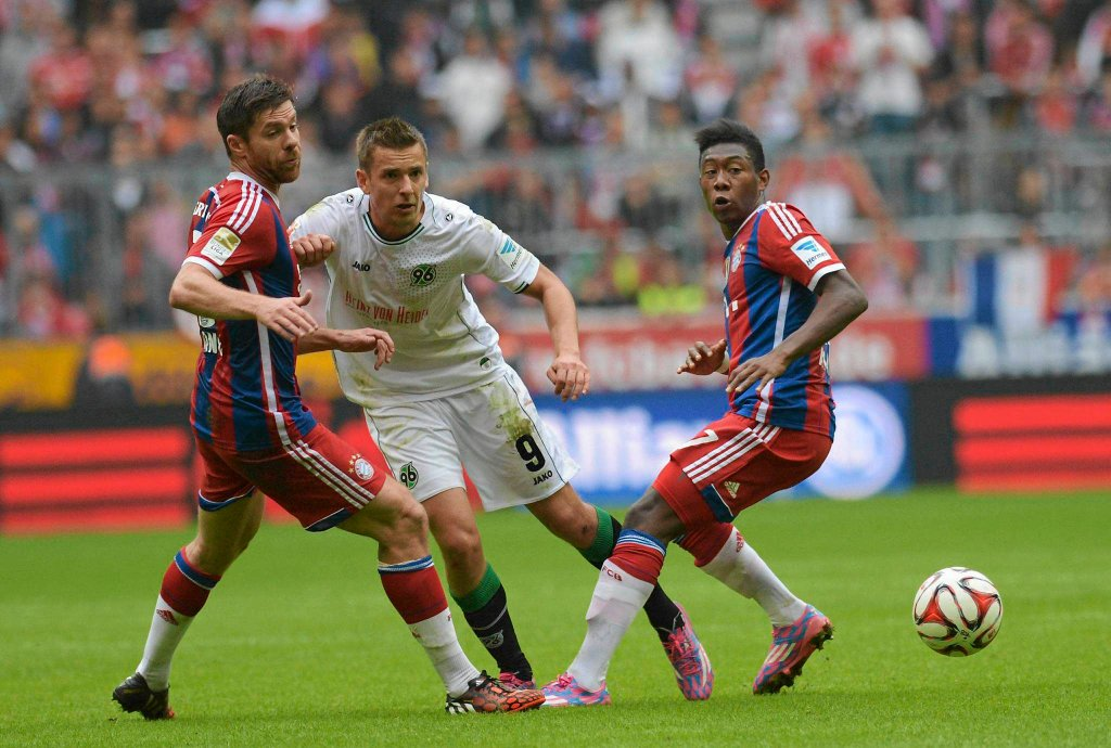Xabi Alonso, Artur Sobiech i David Alaba