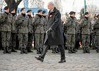 Macierewicz chce mieć prawo do degradowania oficerów i podoficerów. Także tych, którzy umarli