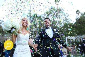Sukienki na wesele w kolorze pudrowego różu