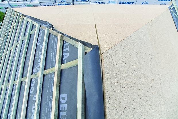 Z czego wykonać poszycie dachu: deski czy płyty budowlane?