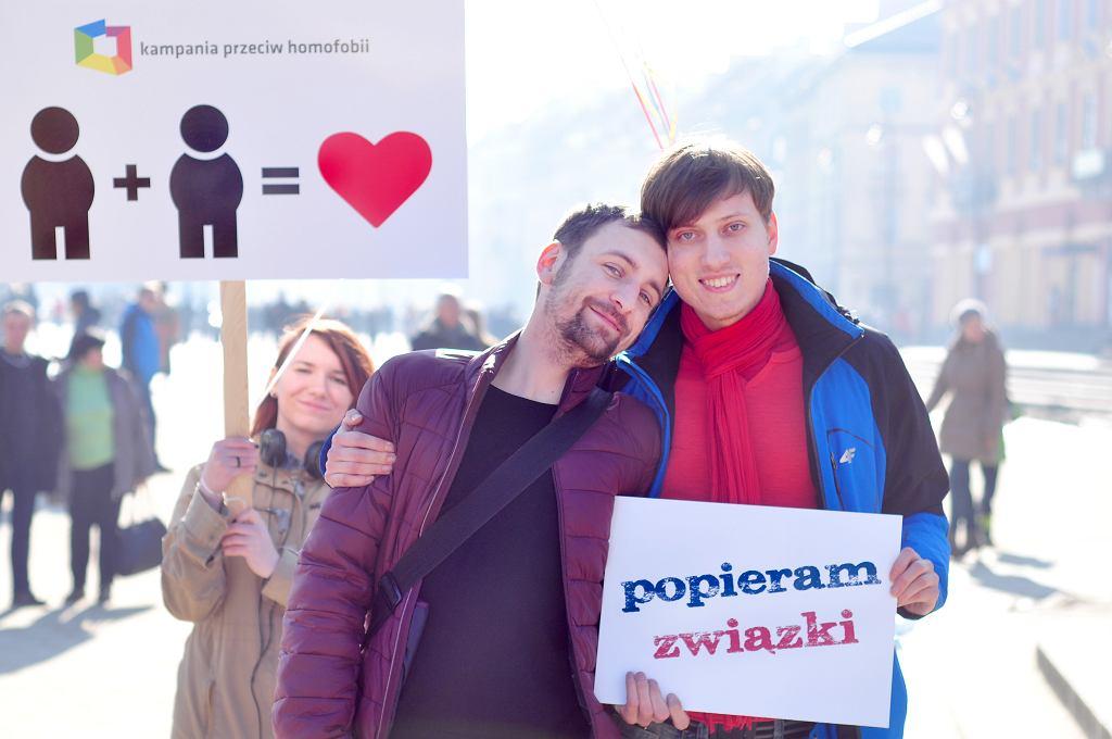 Zeszłoroczna akcja walentynkowa KPH na pl. Zamkowym / mat. prasowe